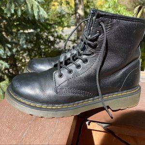 DR. MARTENS Black Leather Boots🤘🏼Big Kid Sz 3